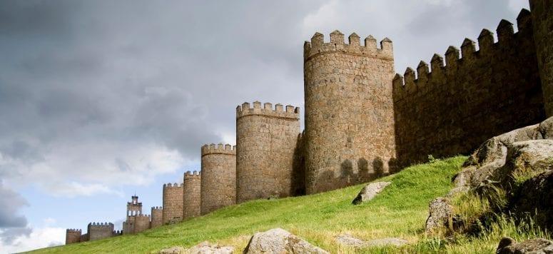 castle_wall_775_x_330